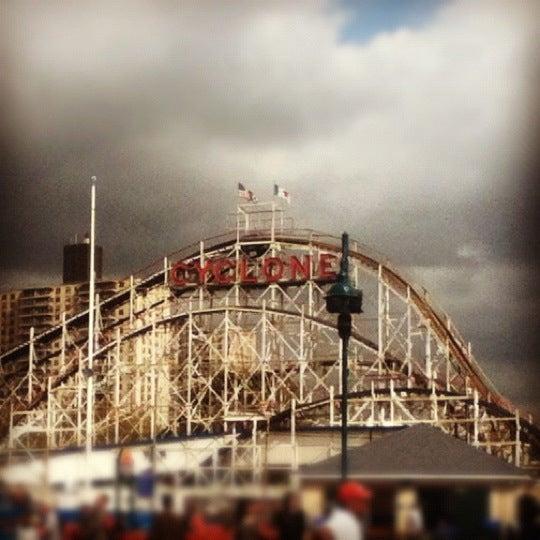 Foto tomada en The Cyclone por Karla T. el 9/30/2012