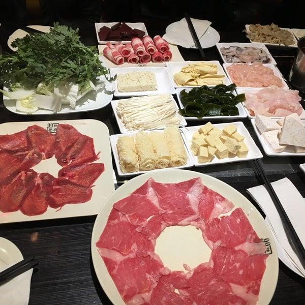Foto diambil di 99 Favor Taste 99號餐廳 oleh Terri C. pada 12/9/2018
