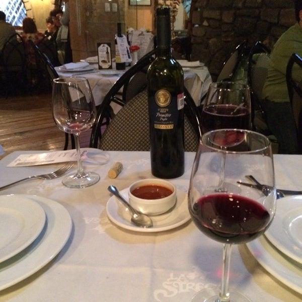 Foto scattata a Restaurante & Bar La Strega da Luz J. il 10/4/2014