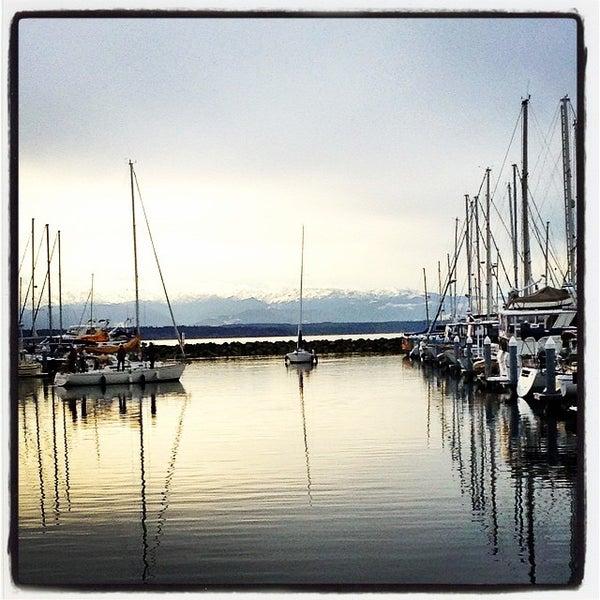 Photo prise au Seattle Sailing Club par Jennie C. le12/21/2014
