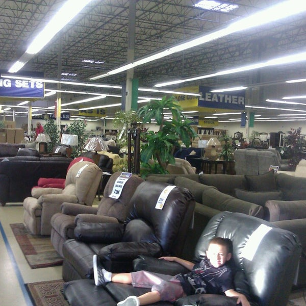 What Are Good Furniture Stores: Rooms To Go Outlet Furniture Store