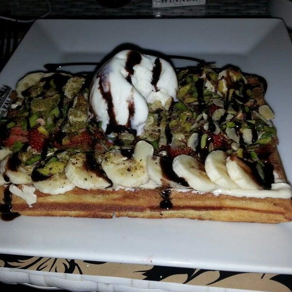5/18/2013 tarihinde Emine K.ziyaretçi tarafından Palace Cafe Restaurant & Bowling'de çekilen fotoğraf