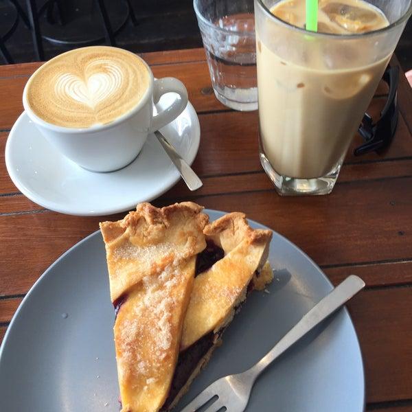 1/30/2016にCarol C.がEveryday Coffeeで撮った写真