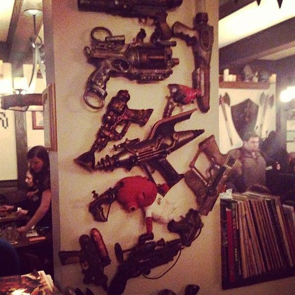 2/23/2013 tarihinde David k.ziyaretçi tarafından Storm Crow Tavern'de çekilen fotoğraf