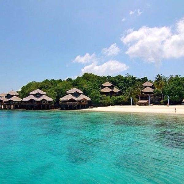 Hasil gambar untuk pulau manado tua