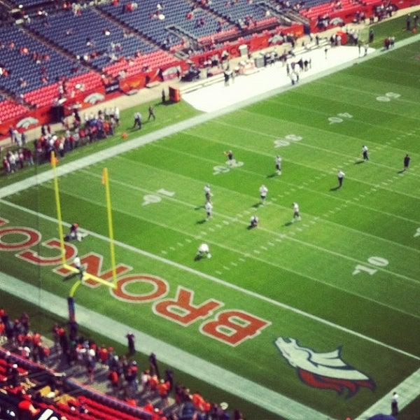 Foto diambil di Broncos Stadium at Mile High oleh Angie D. pada 9/24/2012