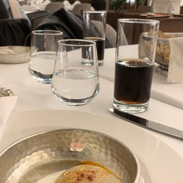 Photo prise au Seraf Restaurant par Mehtap le11/30/2019