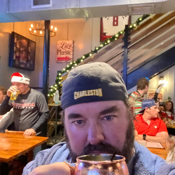 Foto scattata a Charleston Beer Works da David J. il 12/7/2019