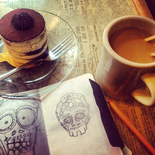 5/19/2013 tarihinde Andrés H.ziyaretçi tarafından Thinking Cup'de çekilen fotoğraf