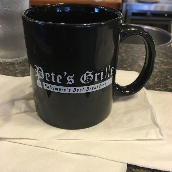 Foto tirada no(a) Pete's Grille por Jennifer D. em 9/29/2015