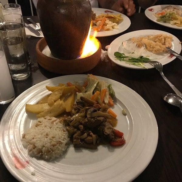 รูปภาพถ่ายที่ King's Garden Restaurant โดย Erkan T. เมื่อ 7/25/2017