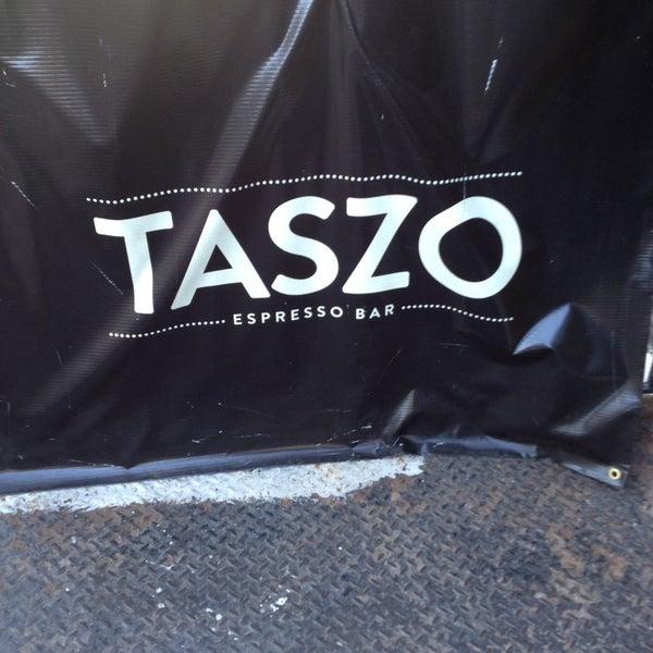 5/2/2013にJoanne A.がTaszo Espresso Barで撮った写真