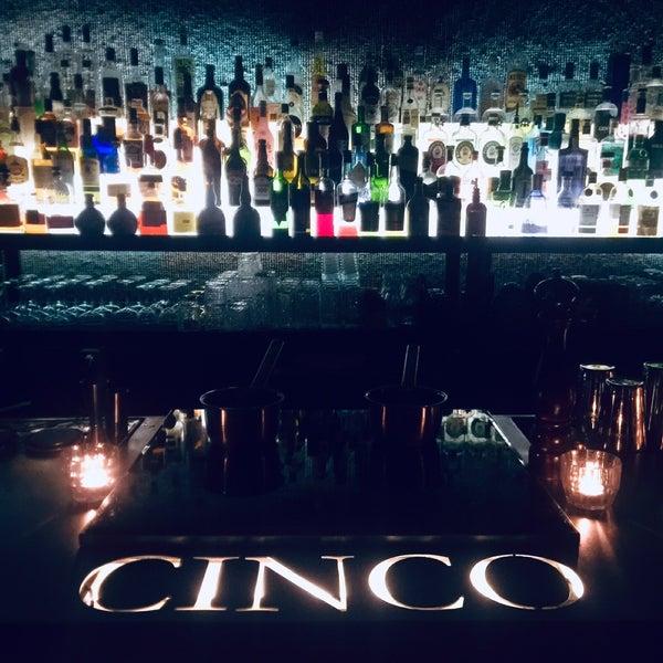 Foto scattata a CINCO Lounge da Alexey I. il 12/11/2019