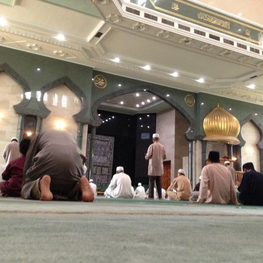 9/14/2012 tarihinde Mynne M.ziyaretçi tarafından Masjid Al-Ameerah Al-Hajjah Maryam, Kg Jerudong'de çekilen fotoğraf
