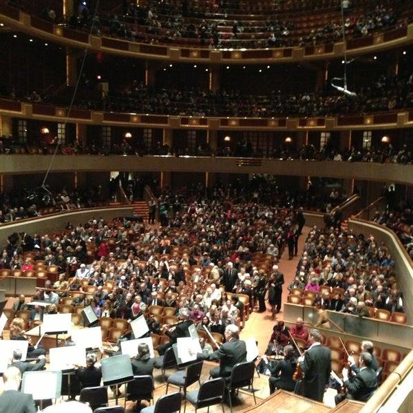 Foto tirada no(a) Morton H. Meyerson Symphony Center por Michael P. em 1/27/2013