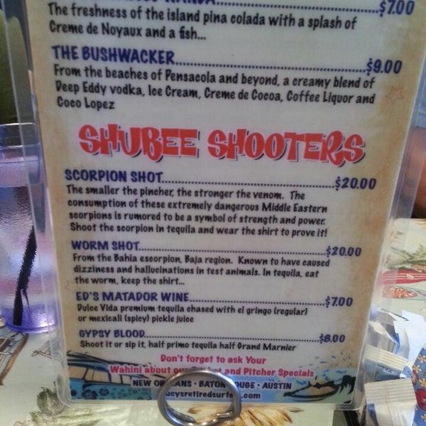 Foto diambil di Lucy's Retired Surfers Bar and Restaurant oleh Rick C. pada 5/7/2013