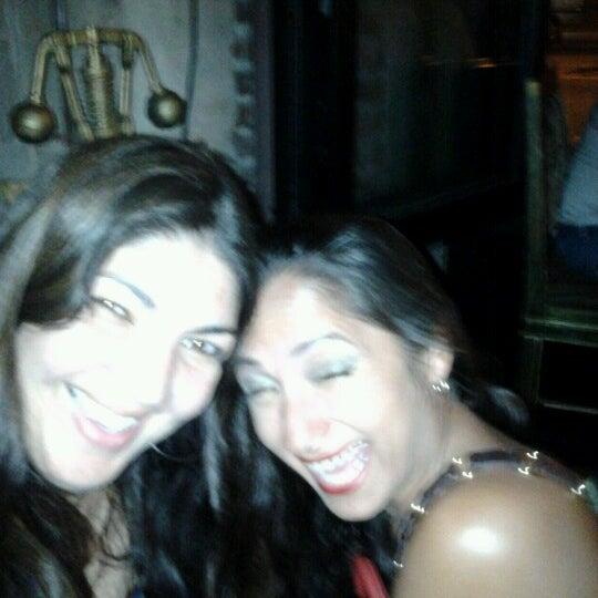 9/23/2012에 Francine-n- D.님이 Salvage Bar & Lounge에서 찍은 사진