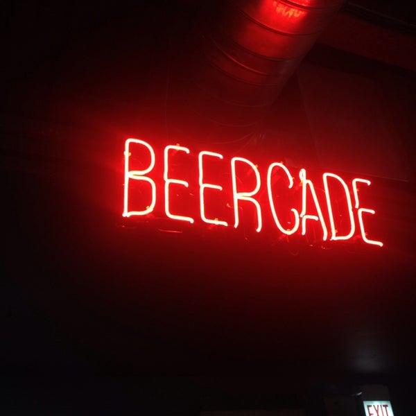 Снимок сделан в Headquarters Beercade пользователем Jacqueline @. 9/21/2013