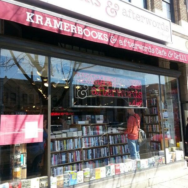 Photo prise au Kramerbooks & Afterwords Cafe par Maria S. le4/6/2013