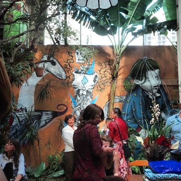 Photo prise au Casa Jaya par Renan C. le7/13/2013