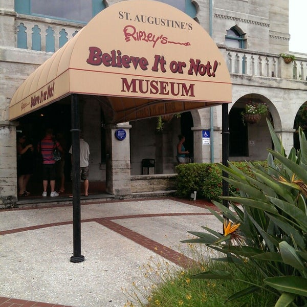 A fun guide to daytona beach for gay and lesbian visitors to florida