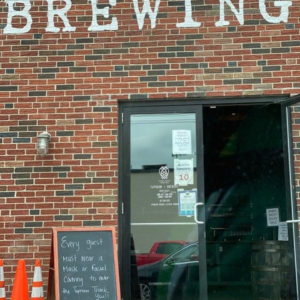 Photo prise au Night Shift Brewing, Inc. par Rachel B. le6/5/2020