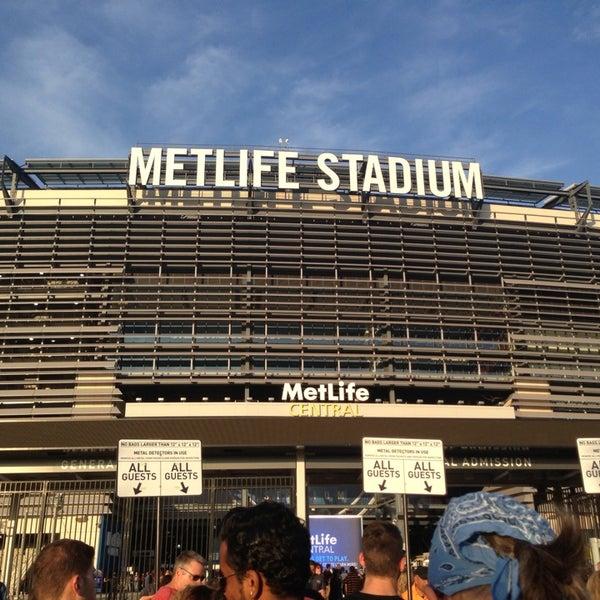 รูปภาพถ่ายที่ MetLife Stadium โดย María R. เมื่อ 7/27/2013