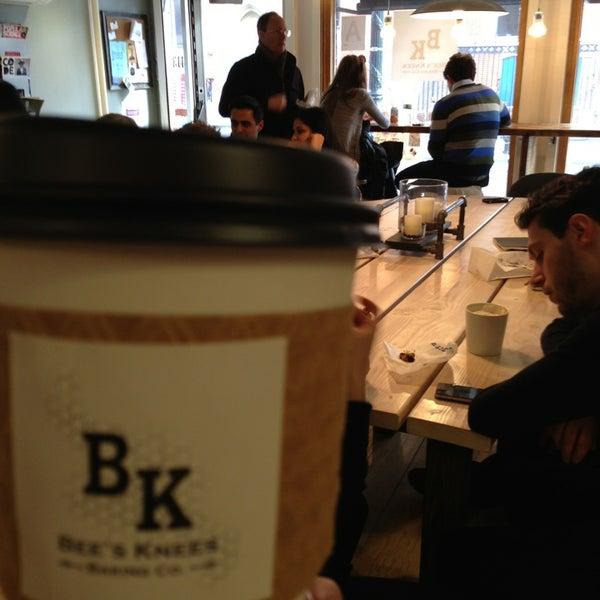 รูปภาพถ่ายที่ Bee's Knees Baking Co. โดย Emily D. เมื่อ 3/23/2013