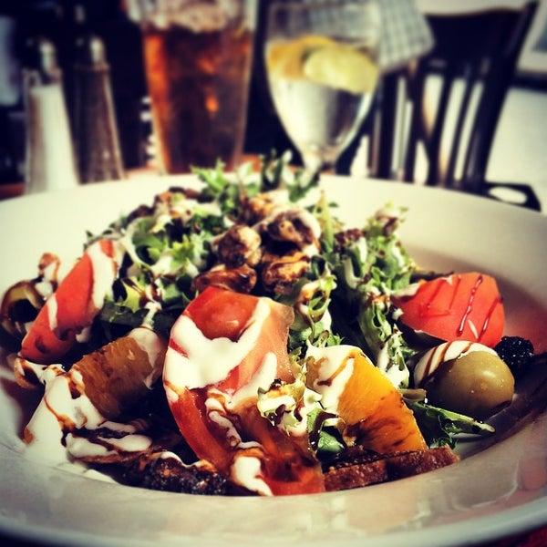9/9/2014 tarihinde Mark E S.ziyaretçi tarafından Tio Pepe Restaurant'de çekilen fotoğraf