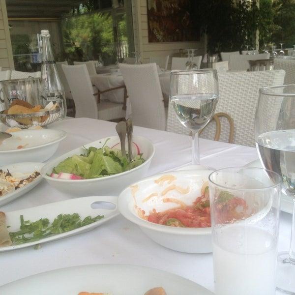 Foto diambil di Yelken Restaurant oleh Mert M. pada 6/14/2013