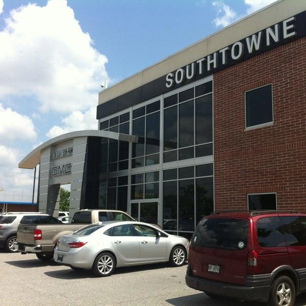 Photo taken at Southtowne Motors Of Newnan by Randy D. on 5/20/