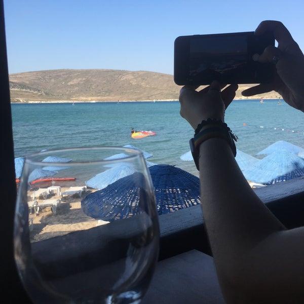 Das Foto wurde bei Alaçatı Surf Paradise Club von Seda G. am 6/2/2018 aufgenommen