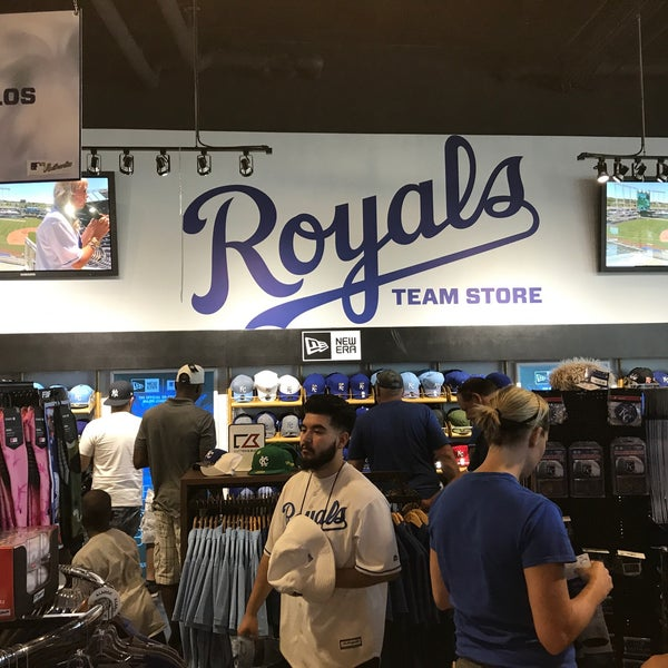 outlet store 320bf 80454 Royals Team Store - Truman Sports Complex - 1 tip