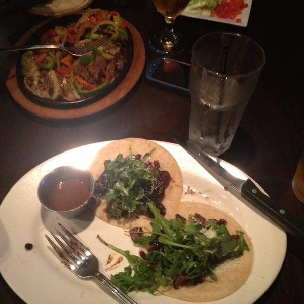 รูปภาพถ่ายที่ Paxia Alta Cocina Mexicana โดย Hanan B. เมื่อ 12/3/2013