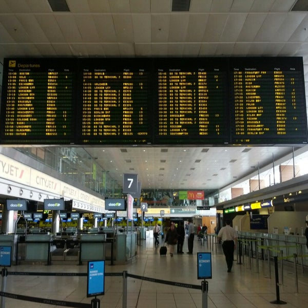 Снимок сделан в Дублинский аэропорт (DUB) пользователем Cyrill S. 5/15/2013