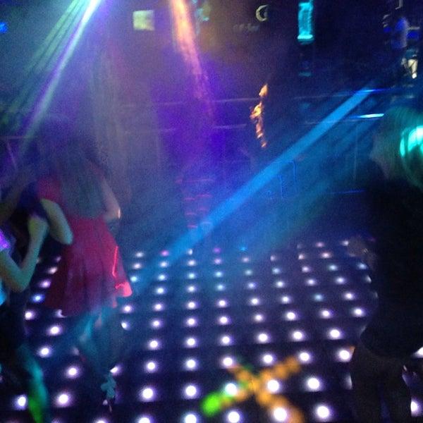 Ночной клуб в глобусе все стриптиз клубы в киеве