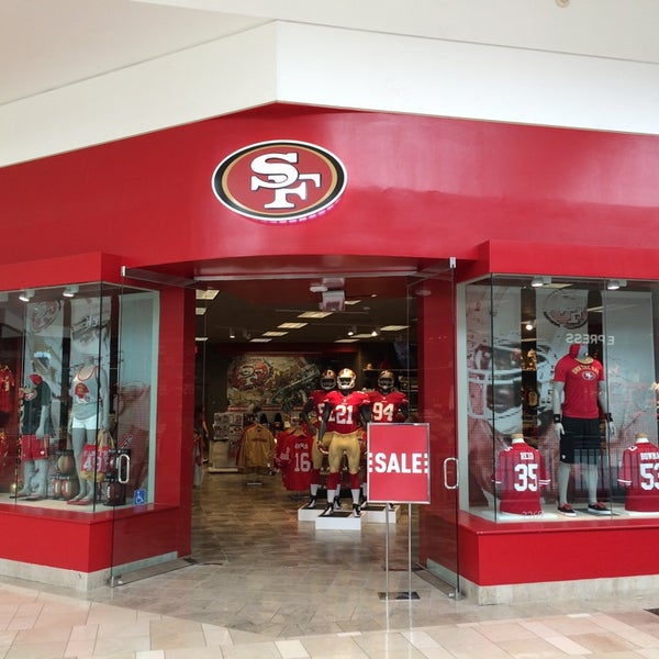 928bfc959 Photo taken at 49ers Team Store by Nobuyuki F. on 6 27 2014