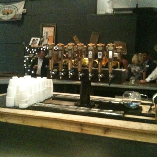 Foto diambil di Good People Brewing Company oleh Wesley C. pada 10/24/2012