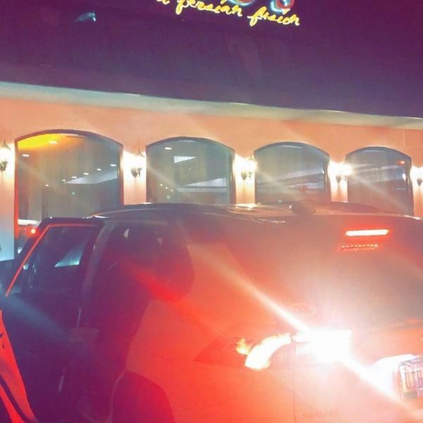 Foto tirada no(a) Amoo's Kabob por Jamal . em 12/2/2019