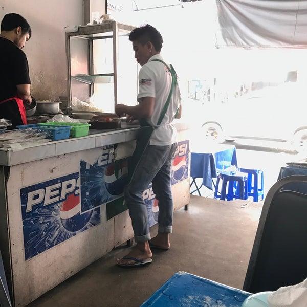 Foto tomada en ร้านก๋วยเตี๋ยวลุงเหลา por Beer P. el 3/15/2017
