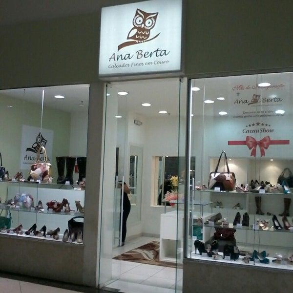 1e29f0c1707 Foto tirada no(a) Ana Berta Calçados - Shopping Bonsucesso - Loja 170 por