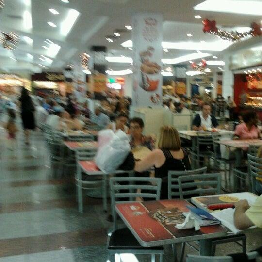 12/26/2012 tarihinde Isabelle L.ziyaretçi tarafından Shopping Tijuca'de çekilen fotoğraf