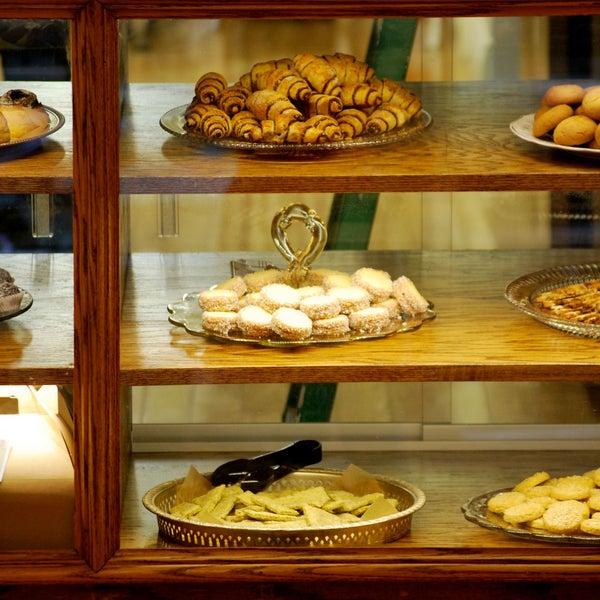รูปภาพถ่ายที่ Zucker Bakery โดย Zucker Bakery เมื่อ 7/21/2015