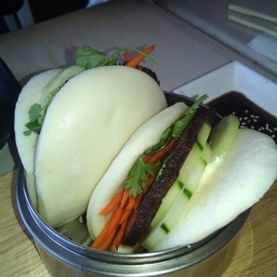 Das Foto wurde bei Chibiscus Asian Cafe & Restaurant von Greg S. am 9/30/2014 aufgenommen