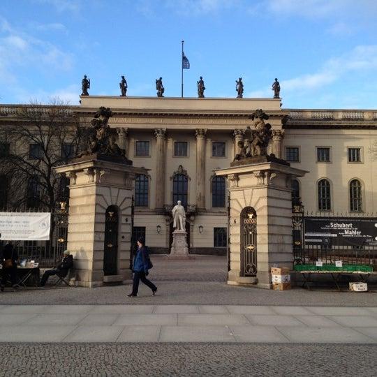 2/19/2012에 Manuel M.님이 Humboldt-Universität zu Berlin에서 찍은 사진