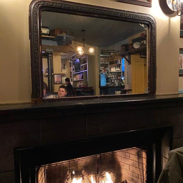 Foto tirada no(a) Tigin Irish Pub por Olya G. em 1/19/2020