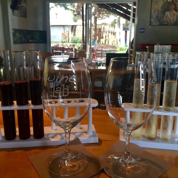 Foto diambil di Wine Lab oleh Karen A. pada 1/20/2016