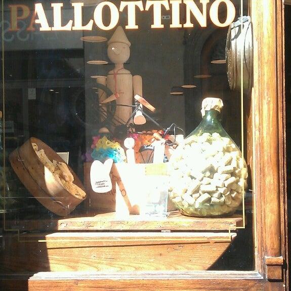 Foto tomada en Trattoria Pallottino por Nik P. el 10/1/2013