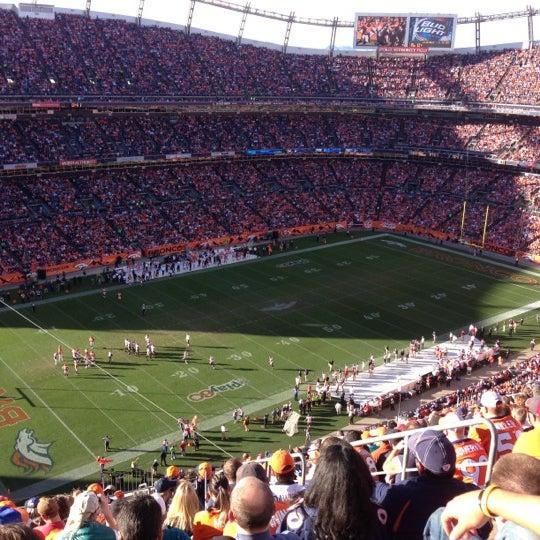 Foto diambil di Broncos Stadium at Mile High oleh Benito S. pada 12/2/2012