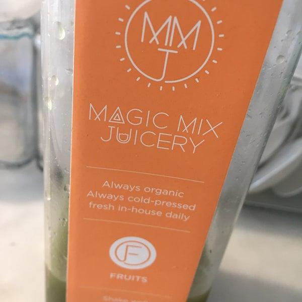 7/31/2015 tarihinde Jan R.ziyaretçi tarafından Magic Mix Juicery'de çekilen fotoğraf